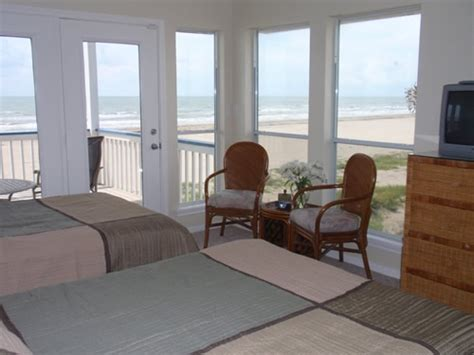 galveston beach house rentals 1000 ideas about galveston beach house rentals on pinterest galveston jamaica