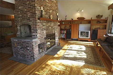 Indoor Fireplace Grill by Brick Two Sided Fireplace With An Indoor Charcoal Grill
