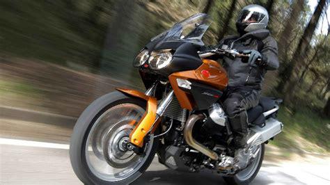 Motorrad Test Reiseenduro by Moto Guzzi Stelvio 1200 B 228 Renstarke Reiseenduro