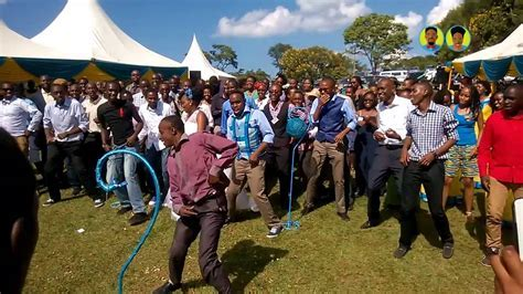 Roni and Chris Wanjagi  Best wedding dance ever KENYA 2014