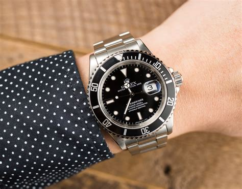 Rolex Submariner Stainess 16610 Black Black On Wrist