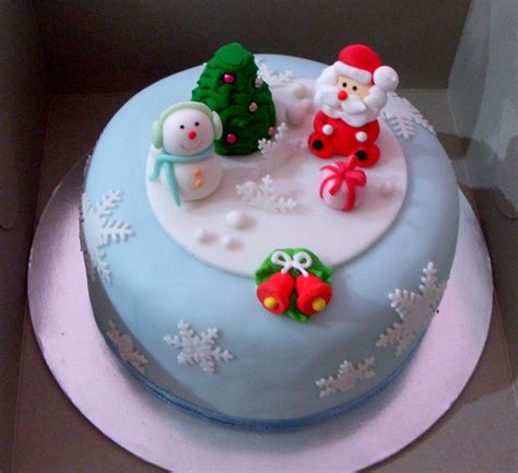 Decorate Christmas Cake Ideas Decoratingspecial Com | christmas cakes decoration ideas little birthday cakes