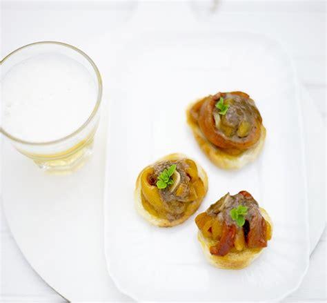bagna cauda veloce pane burro bruschettine con peperoni grigliati e bagna