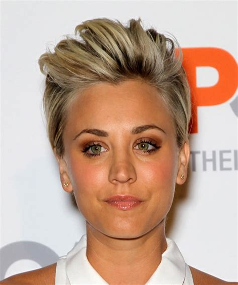kaley cuoco short straight casual hairstyle medium