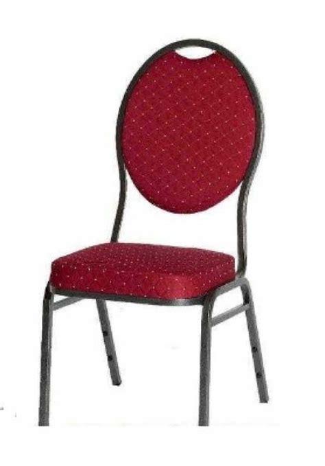 tafels en stoelen huren maastricht stoelen en tafels verhuur zuid limburg deguelle party