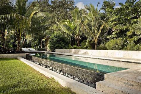 the modern tropical garden and landscape design by raymond jungles does make our mouth water