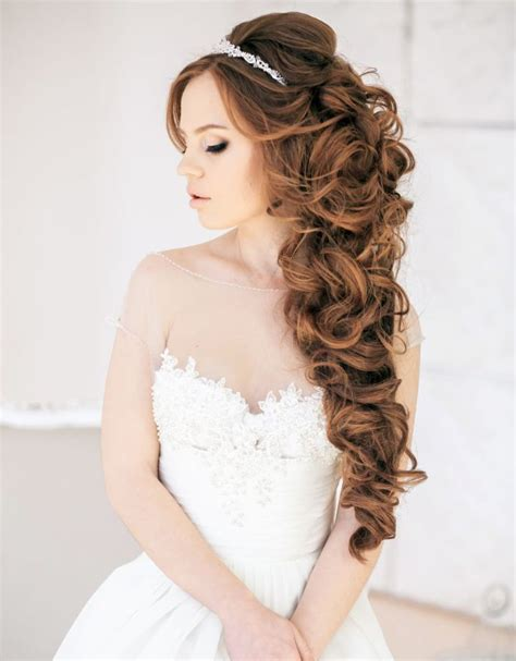 curly half up half wedding hairstyle tulleandchantilly
