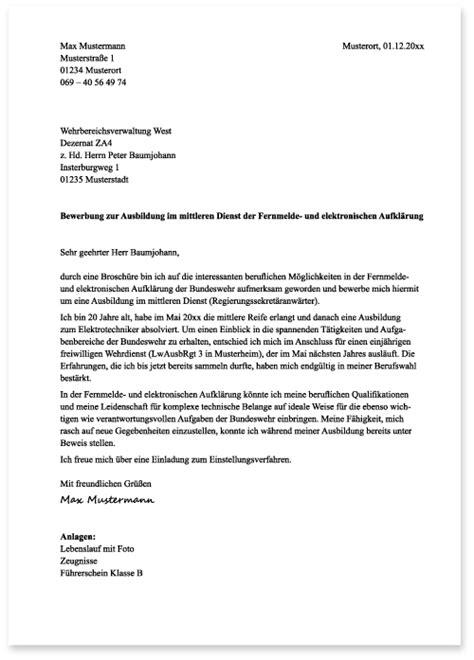 Das Motivationsschreiben Für Die Uni Bewerbung Beispiel Die Bewerbung Bei Der Bundeswehr Das Anschreiben Die Ausbildung Bei Der Bundeswehr