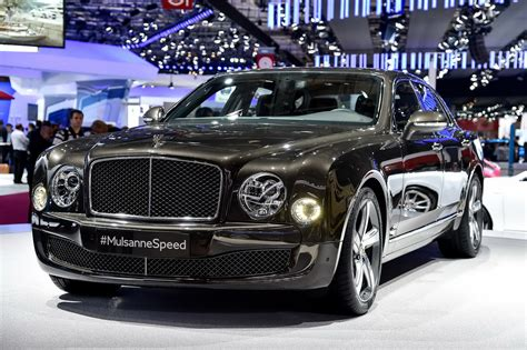bentley mulsanne speed black bentley mulsanne speed proves 2 7 tonnes of luxury can