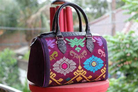 Tas Batik The Warna Tas Cewek Tas Etnik 1 model tas batik terbaru 2014 tas cewek