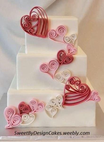 fiori con pasta di zucchero tecnica torte da matrimonio decorate con la quilling