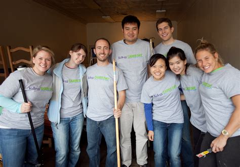 Kellogg One Year Mba by Kellogg Gives Back To The Community Kellogg Mba Students