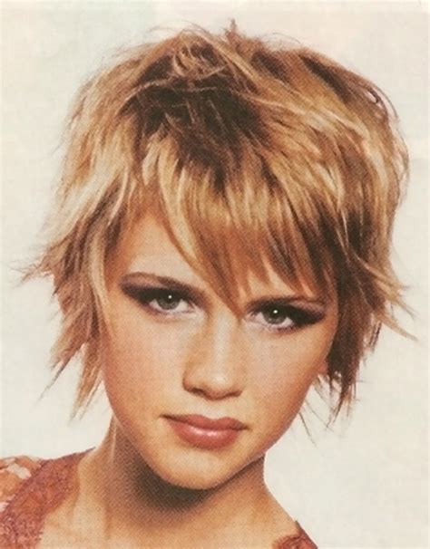 womans short hairstyle for thick brown hair short hair 2013 trend short hairstyles 2016 2017