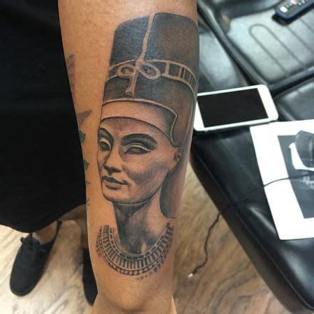 queen isis tattoo best 25 egyptian queen tattoos ideas on pinterest