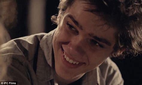 good looking teen actors richard linklater s movie boyhood used same actors over 12
