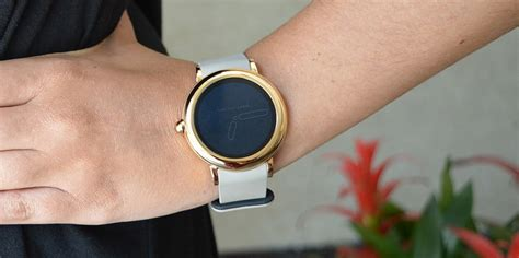 marc jacobs riley touchscreen smartwatch review digital