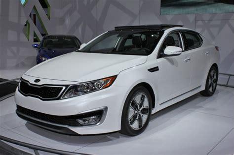 2011 Kia Optima Price 2011 Kia Optima Hybrid To Cost 26 500 Less Than Camry