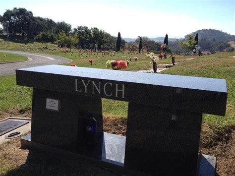eric bench howard stern fan 3d prints eric the midget memorial