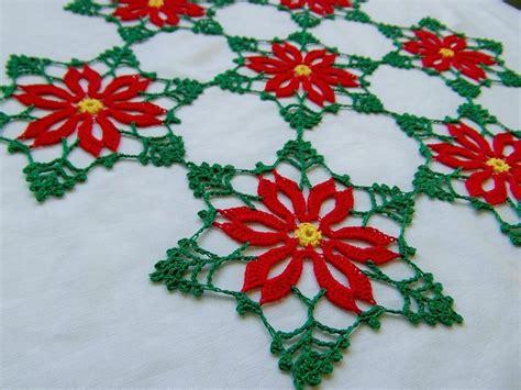 fiori natalizi all uncinetto centrino natalizio all uncinetto feste natale di