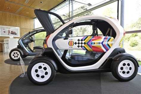 Cincau Tawon Mikro renault twizy best photos and information of model