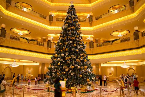 world s most expensive christmas tree in abu dhabi hotel