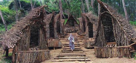 wisata rumah hobbit tempat wisata  lembang jogja