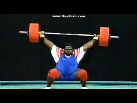 mark henry bench press mark henry lifted 175 kg s weight youtube