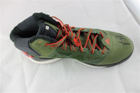 derek basketball shoes lot detail derek signed limited edition basketball