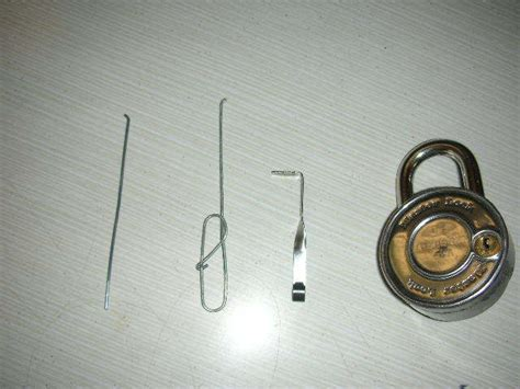 How To Make A Lockpick Out Of Paper - the only real paperclip lockpick 5