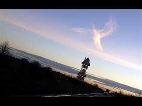 imagenes reales en el cielo angeles reales volando en el cielo real angels flying in