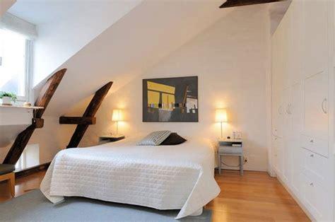 40 decorating ideas for a small attic bedroom to have big mała sypialnia aranżacje e mieszkanie
