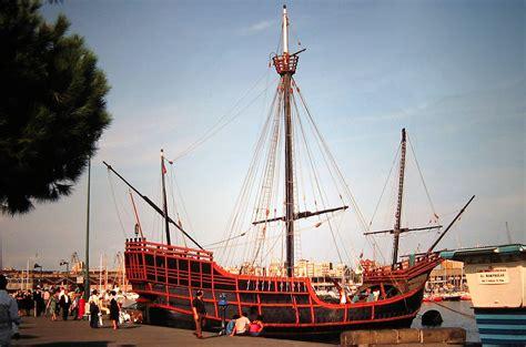 barco de cristobal colon valencia el tranv 237 a 48 la nao santa mar 237 a del puerto de barcelona