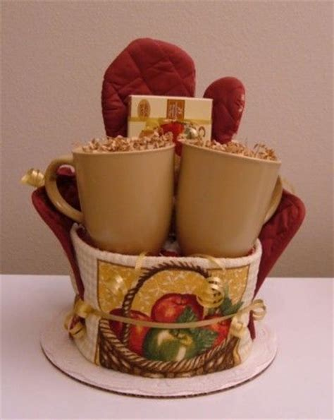 kitchen tea gift ideas 17 best images about towel cakes on pinterest towels