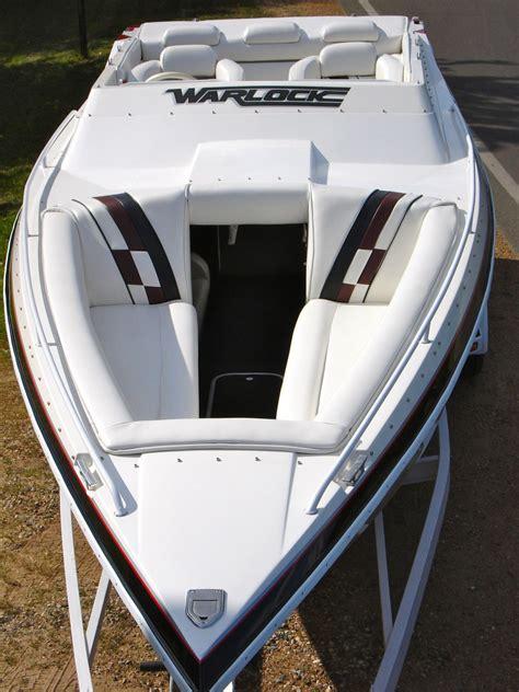 mid cabin bowrider boats warlock 25 world class 24 mid cabin cigarette boat