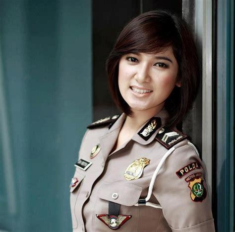 layout blog yang cantik baguseven blog 8 polwan yang tercantik di indonesia