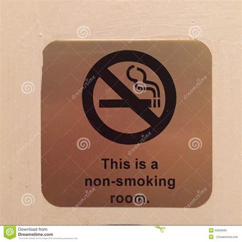 no smoking signs hotel rooms ci 242 232 una camera di albergo di fumo fotografia stock
