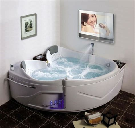 tv im badezimmer badezimmer vorschl 228 ge mit wassermassage den k 246 rper