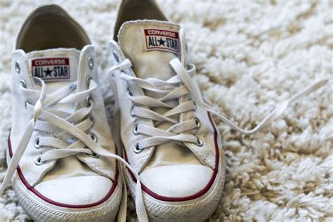 how to clean white converse chagne and blue