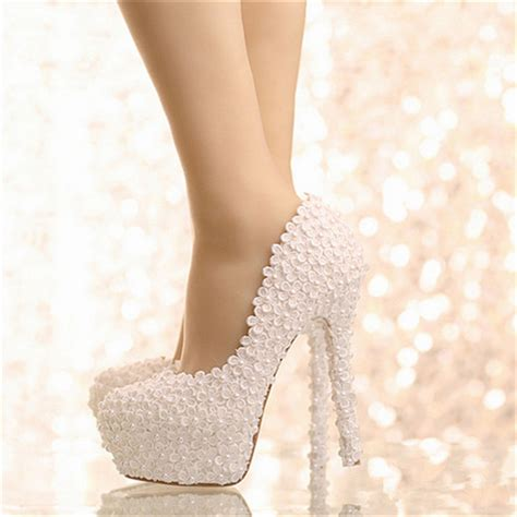 2016 new wedding shoes beautiful white appliques