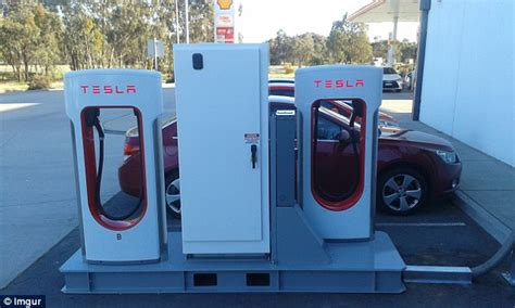 Free Tesla Charging Stations Free Charging Spots For Drivers Of Electric Tesla Cars