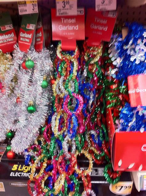 4 for pipe cleaners looped to make a 12ft garland at