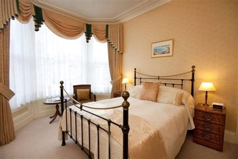 bed and breakfast finder adcote house llandudno adcote suite bedroom photo 12970