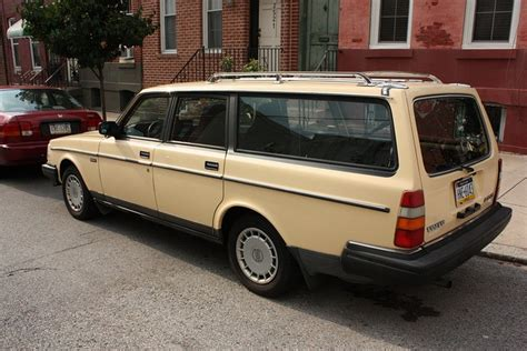 Volvo 240 Dl Station Wagon 1987 Volvo 240 Dl Station Wagon We Had One Like This