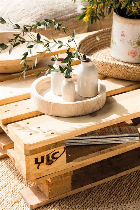 como decorar los jarrones jarrones 15 ideas para decorativas para tu casa