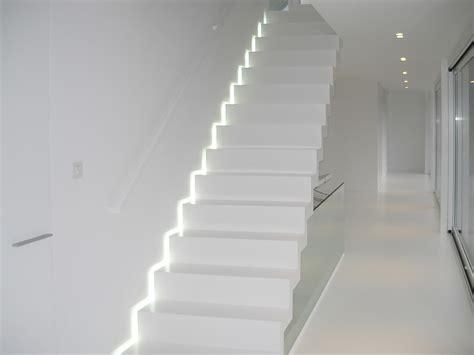 dichte corian escaliers modernes en corian anyway doors