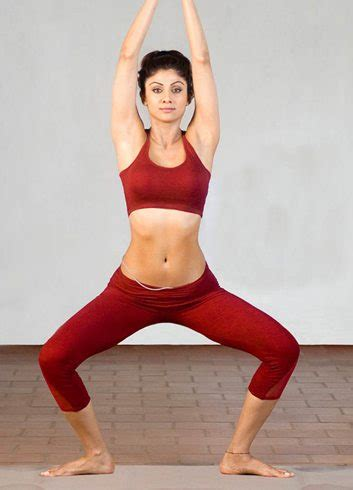 hollywood celebrities doing yoga catch the beautiful and impressive celebrities doing yoga