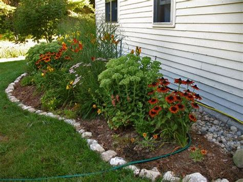 Rock Edging For Gardens 17 Best Ideas About Rock Edging On Pinterest Rock Border Flower Bed Edging And Landscaping