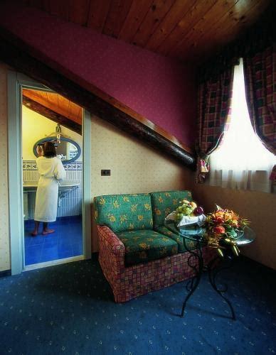 hotel con vasca idromassaggio in torino junior suite con vasca o doccia sauna best