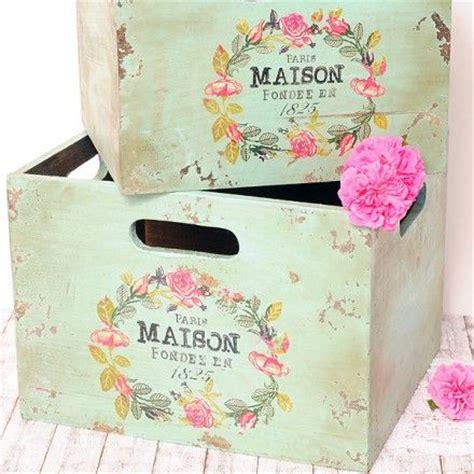 como decorar cajas de madera en vintage pintar cajas de madera estilo vintage materiales de