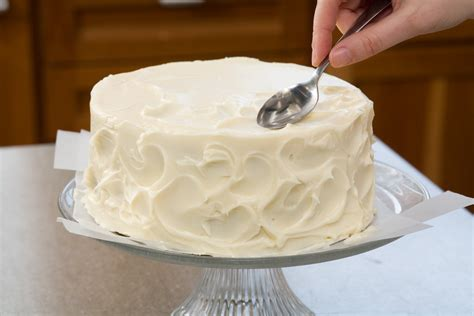 Decorating A Cake easy bake secrets to decorating layer cakes